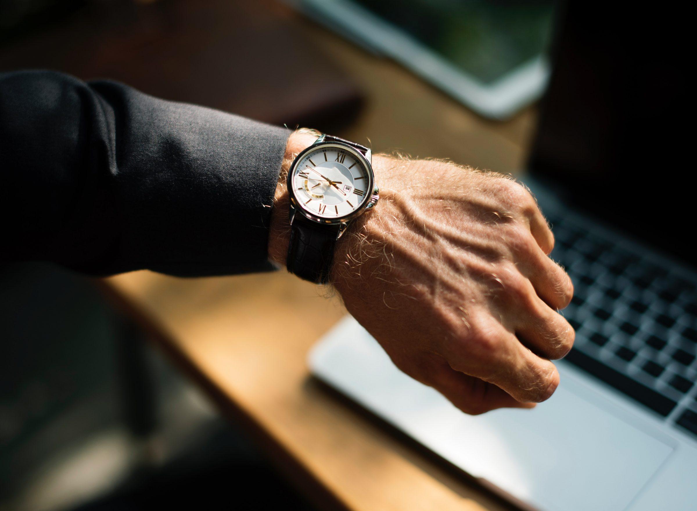 Waarom we zo'n grote moeite hebben met het halen van deadlines