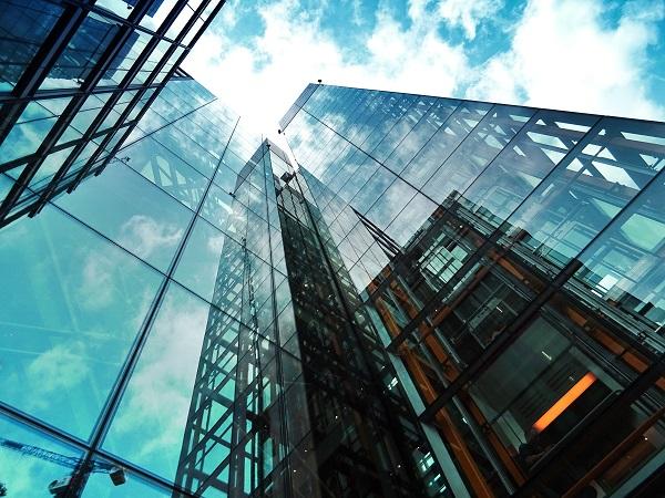Naar een hoger niveau: met de lift omhoog in deze kantoortoren